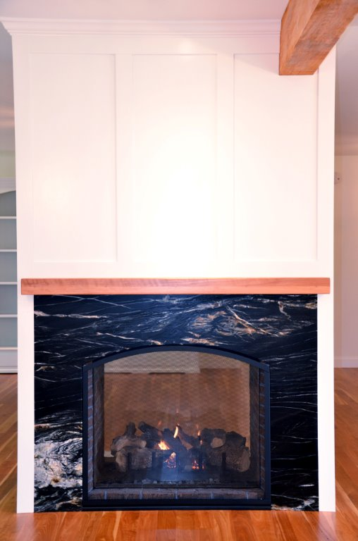 Greg Fitzpatrick Inc - Saltwater Farmhouse - Dining Fireplace
