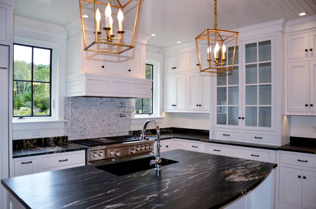Greg Fitzpatrick Inc - Saltwater Farmhouse - Island