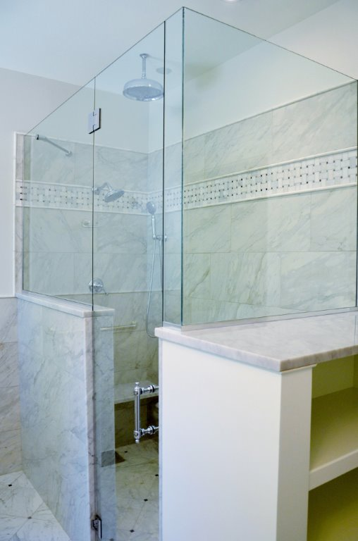 Greg Fitzpatrick Inc - Saltwater Farmhouse - Master Shower